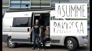 ASUMME AUTOSSA! We speak Finnish! (with subtitles)