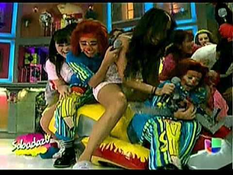 Upskirt De Laura G Sabadazo Raquel Bigorra Minivestido Verde