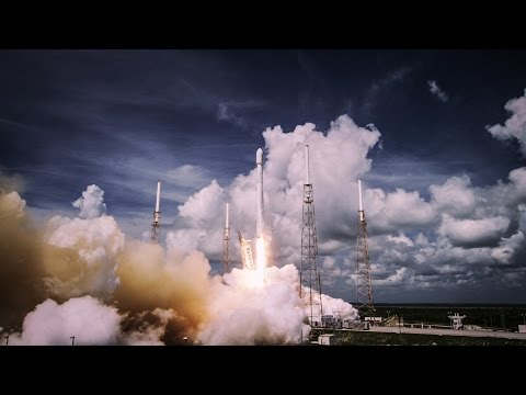 4K VIDEO: Start Falconu 9 na poli SpaceX