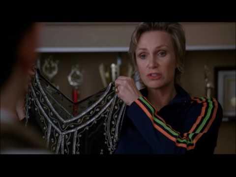 Glee - Sue asks Kurt to dress up as a woman 3x20 (видео)