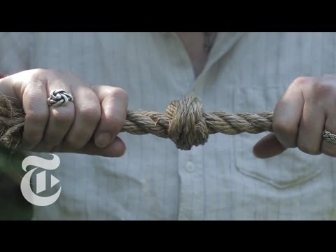 NEW - Master knot expert Des Pawson demonstrates the remarkable things he can do with rope at his museum in Ipswich, England. Produced by: Oscar Hudson Read the story here: http://nyti.ms/1uU9JFW...