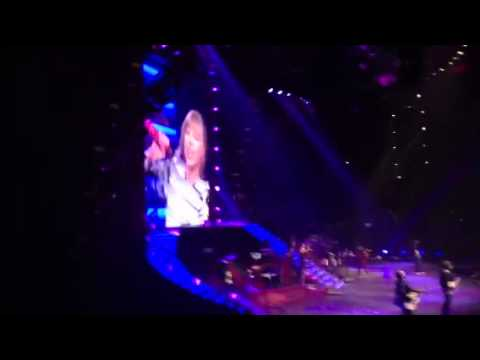 Taylor Swift and Nelly - Hey Porsche RED Tour St. Louis