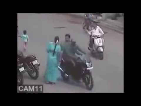 Compilation of Chain Snatching Videos in India | Chain Snatcher | Chain Snatch