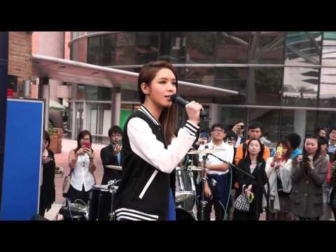 Warner Play Music Live@PolyU - 官恩娜Ella Koon 你都不懂 You don't understand