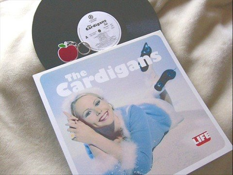 Tekst piosenki The Cardigans - Fine po polsku