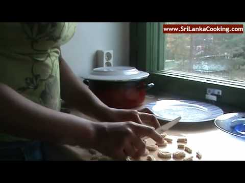 Making Seeni Murukku (Deep Fried Flour & Coconut Mixture Coated with Sugar Syrup)