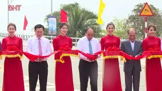 Lễ thông xe cầu Cửa Hội bắc qua sông Lam, nối liền hai tỉnh Nghệ An và Hà Tĩnh