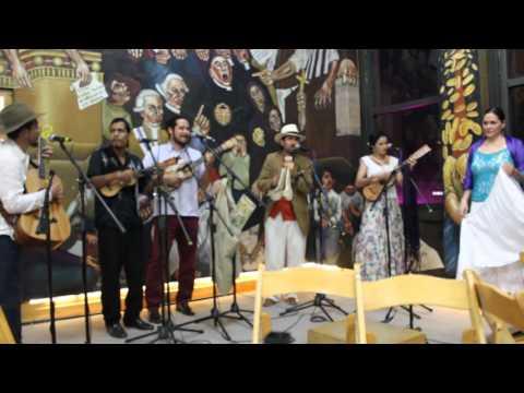 Amenizando el Festival del Globo