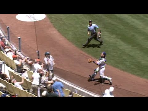 Video: Russell Martin makes a great sliding scoop catch