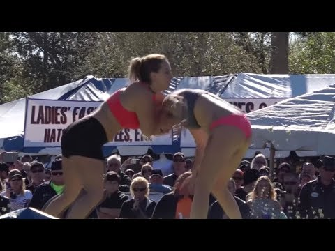 Girls Wrestling In Coleslaw | Cabbage Patch 2017 (видео)
