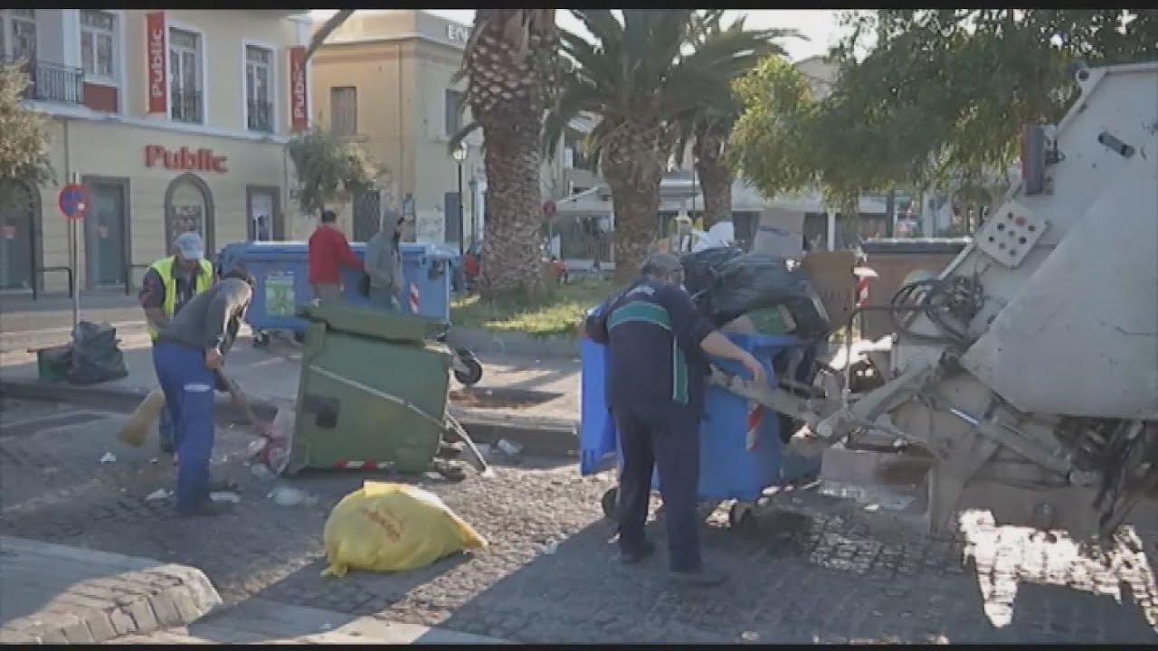 Η αστυνομία απομάκρυνε από την πλατεία Σαπφούς πρόσφυγες και μετανάστες