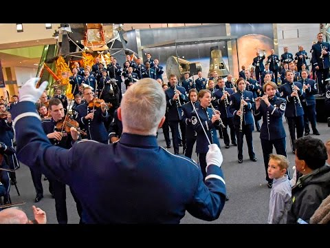 The USAF Band - 2016 Holiday Flash Mob