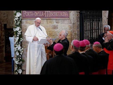 Ο Πάπας Φραγκίσκος «συναντά» τον Άγιο Φραγκίσκο της Ασίζης