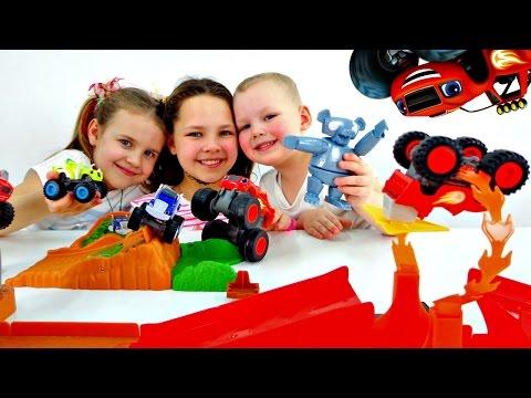 ВСПЫШ и Чудо Машинки. Распаковка Игрушки. Мультики про машинки. Ксюша, Настя и Вова: Дети играют (видео)