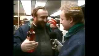 PRL-1987-Święta-Tadeusz Drozda w monopolowym