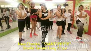 "Video Zumba Dangdut "" Syantik"" populered song by Siti Badriah.  Studio Senam Lusy Show Tangerang MP3, 3GP, MP4, WEBM, AVI, FLV Juni 2018"