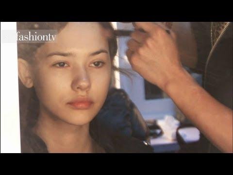 Models Backstage - SUBSCRIBE: http://bit.ly/FashionTVSUB http://www.FashionTV.com/videos BEIJING - Go backstage with the beautiful models of the Cocoon during China Fashion Wee...