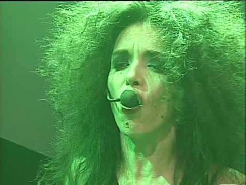Andrea Alvarez video Dormís? - Escenario Alternativo 2006