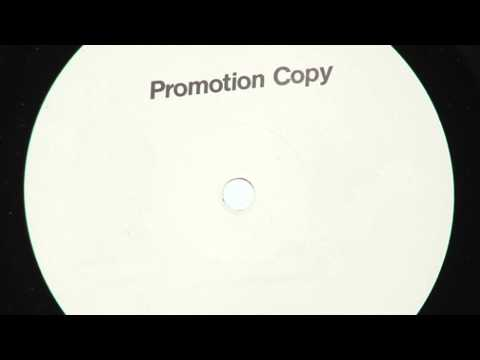 0 Massimo Vanoni (Max V.)   Set me Free (Original Mix) 128 kbps