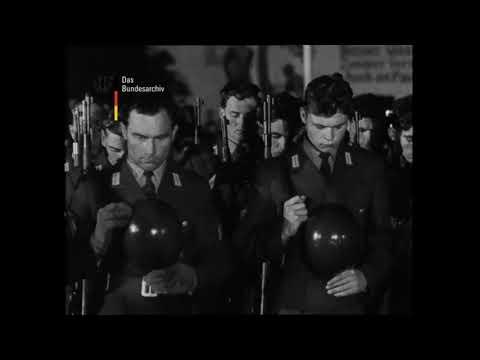 Mittenwald: Gelöbnis der 1. Wehrpflichtigen der Bundeswehr (1957)