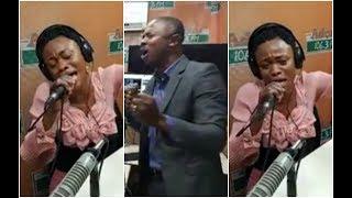 Download Lagu Woow.. Kwamena Idan With Evg. Diana Asamoah Powerful Live Worship - Adom Live Worship Vol 17. Mp3
