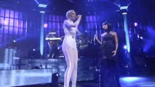 Jessie J & Brandy perform 'Conquer The World' at iTunes Festival