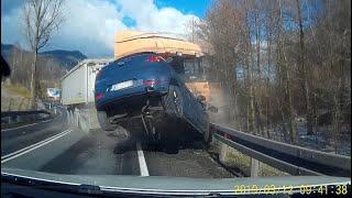 Wypadek na DK46 w miejscowości Laski – wystrzał opony 12.03.2019
