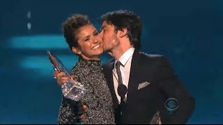 Nina Dobrev&Ian Somerhalder Kiss&Address Breakup! (PEOPLE'S CHOICE AWARDS 2014)