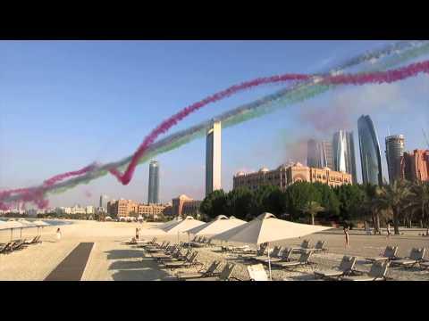 United Arab Emirates: Air Force demonstration in Abu Dhabi