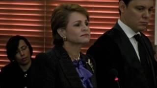 Lucía Medina advierte a Holguín no permitirá ultrajen su dignidad