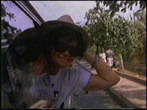Two white girls pon a minibus - Music Video