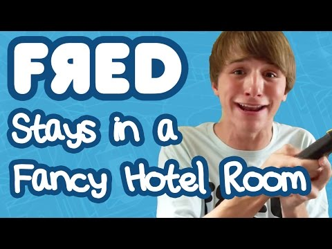 FRED - Fred and his mom stay in a fancy hotel room to see her new boyfriend! Follow me on Twitter! http://www.twitter.com/lucascruikshank http://www.twitter.com/fre...