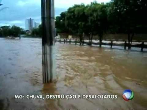 Em Montes Claros, Maior temporal em 40 anos deixa a cidade debaixo d água
