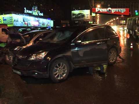 В результате ДТП на Московском шоссе двое детей оказались в больнице (видео)