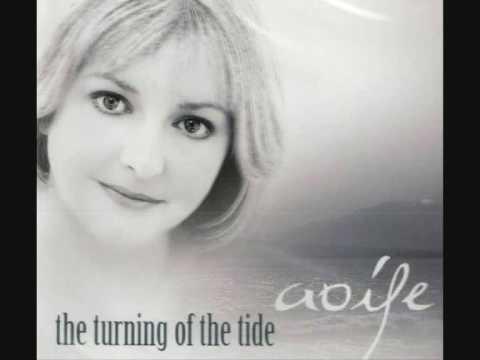 Tekst piosenki Aoife Ní Fhearraigh - After The Goldrush po polsku