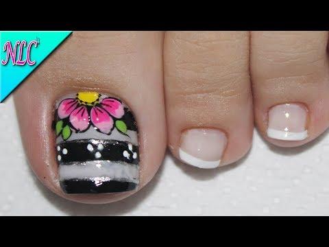 Diseños de uñas - DISEÑO DE UÑAS PARA PIES FLOR BLANCO Y NEGRO ¡MUY FÁCIL! - FLOWERS NAIL ART - NLC