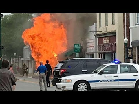 Large fire disrupts downtown Franklin