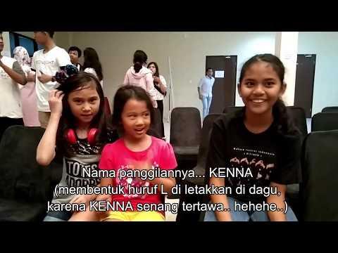 Bagaimana anak dengar (Miko Kenna) berkomunikasi dengan ortu tuli (Amanda Tonan)?