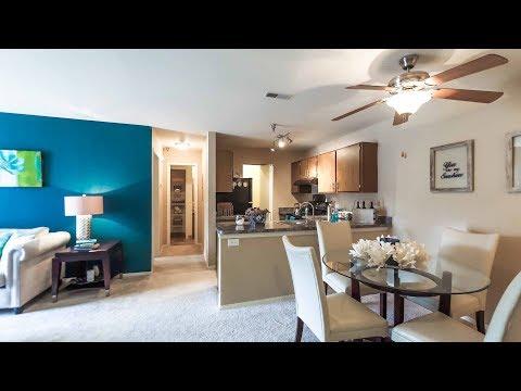 A Fairfax model 1-bedroom apartment in Aurora at Hunter's Glen
