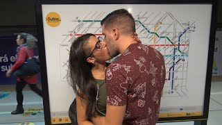 Download Video Kissing Prank GONE HOME ! MP3 3GP MP4