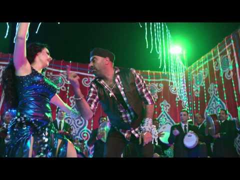 """صافينار ترقص لمحمد سعد في أغنية """"حياتي متبهدلة"""" رغم تأييد حبسها"""