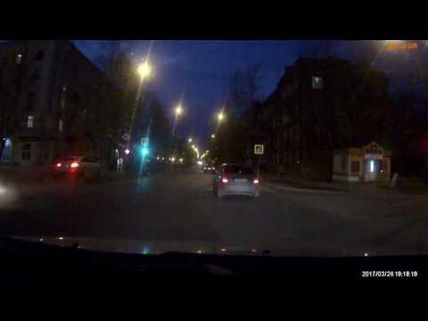 Ягуар против светофора