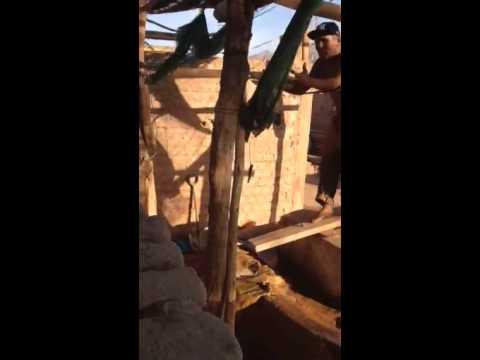 Making gold in Nasca, Peru (видео)