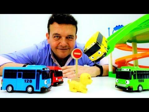 Video Tayo el pequeño autobús en el parking de juguete. Juegos de coches download in MP3, 3GP, MP4, WEBM, AVI, FLV January 2017