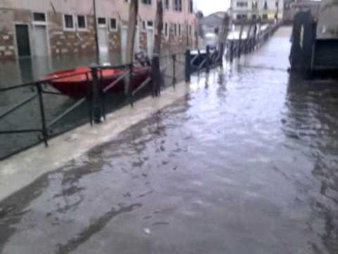 Venecia inundada: agua alcanzó los 136 centímetros de alto