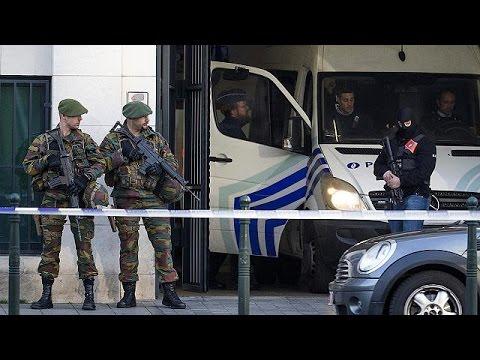 Βέλγιο: Υπό κράτηση θα παραμείνουν οι συλληφθέντες για τα χτυπήματα σε Βρυξέλλες και Παρίσι