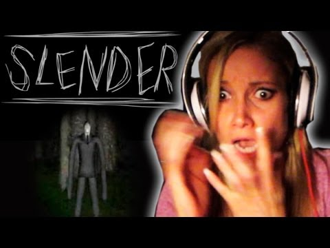 girl plays slenderman