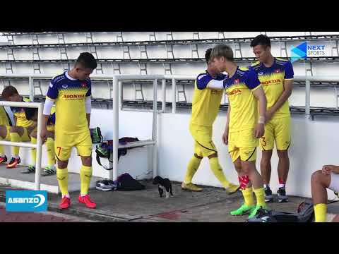 Thầy Park trêu đùa với cún lạc, bất ngờ té nước vào mặt Quế Ngọc Hải | NEXT SPORTS - Thời lượng: 6:04.
