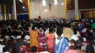 Te Deum - Mana yacu turagusingiza - Matthieu NGIRUMPATSE  Rwanda Mana yacu turagusingiza, Tukemeza ko ari Wowe Mutegetsi wacu. Data Uhoraho, isi ...