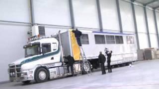 Akademia Murowania SILKA YTONG - Początek oklejania ciężarówki